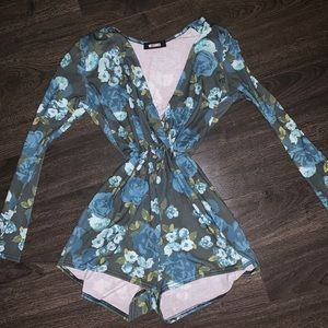 FLORAL PLAYSUIT [Missguided]